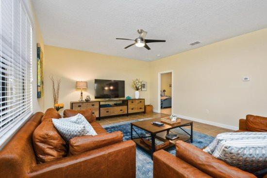 5 Bedroom ChampionsGate Golf Resort Pool Home. 1475RF - Image 1 - Kissimmee - rentals