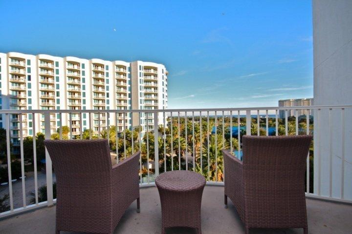 Recently Renovated throughout-Palms of Destin 2513-2Br/2Ba-Sleeps 6 - Image 1 - Destin - rentals