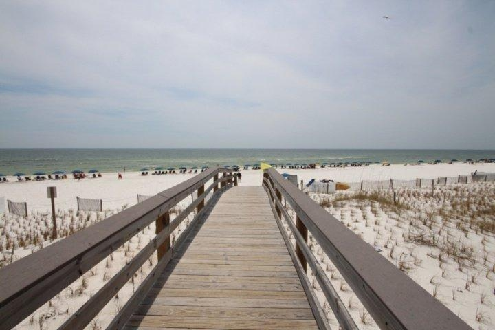 Sunset Cottages 4C-2Br/2Ba-Sleeps 8. BOOK BY FEB. 28TH FOR SPRING BREAK - Image 1 - Fort Walton Beach - rentals