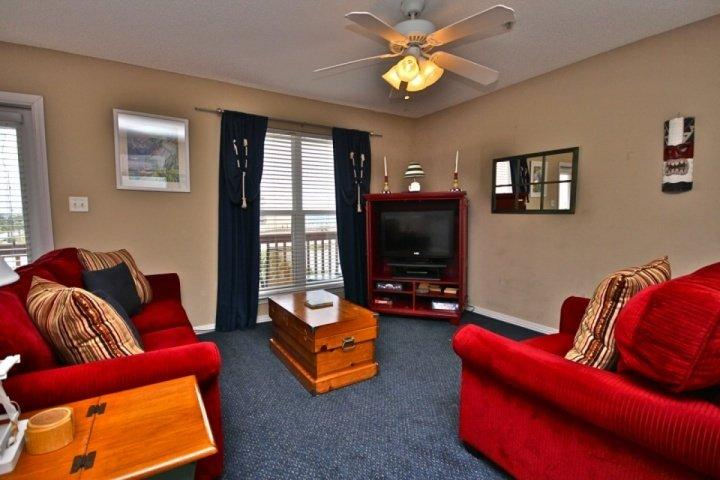 Plenty of seating for everyone - Sunset Cottages 4C-2Br/2Ba-Sleeps 8. BOOK NOW FOR SPRING BREAK SPECIAL!! - Fort Walton Beach - rentals