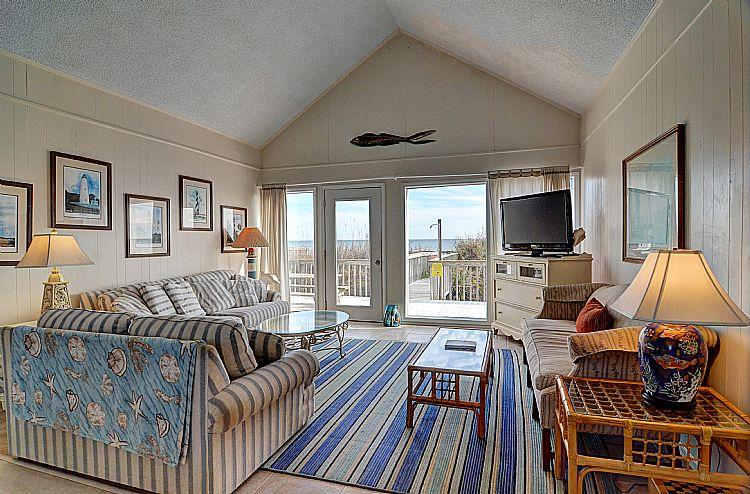Great Room (Living & Dining) - M & M Candy - Majestic Oceanfront View, Spacious Deck, Pet Friendly, Near Shops - Topsail Beach - rentals