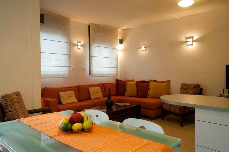 Central New Cozy 1 BD by the beach - Image 1 - Tel Aviv - rentals