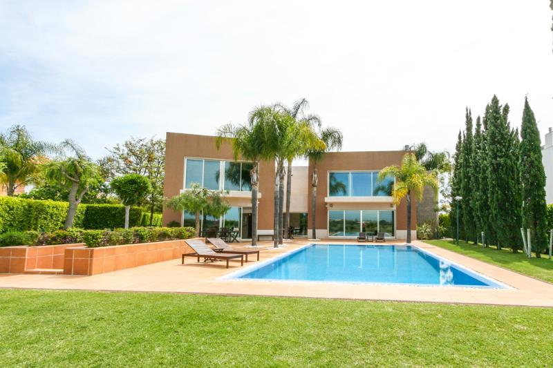 Villa Lagoon - Image 1 - Portugal - rentals