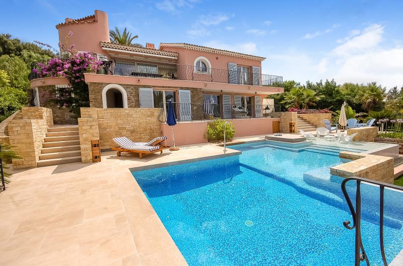 Villa Pink - Image 1 - Le Lavandou - rentals