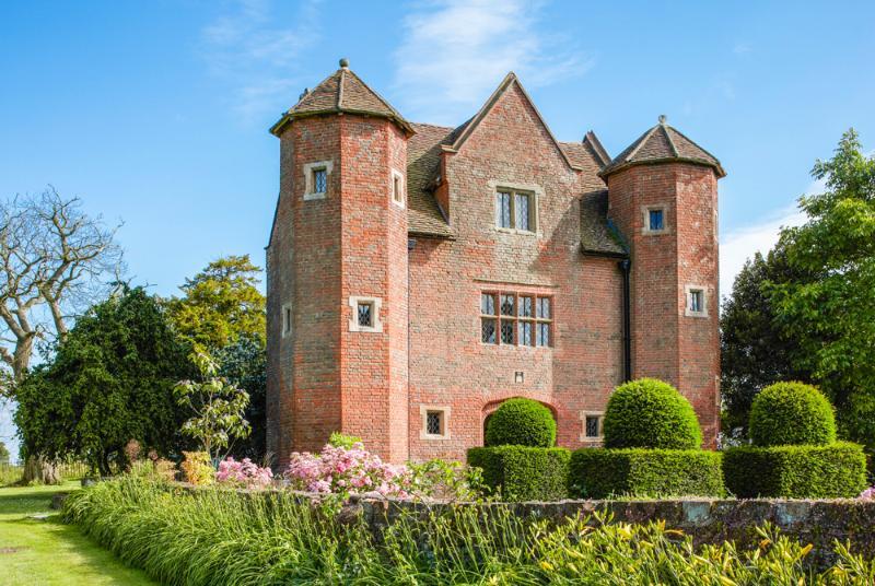 Chevaliers Gatehouse - Image 1 - Upton Cressett - rentals