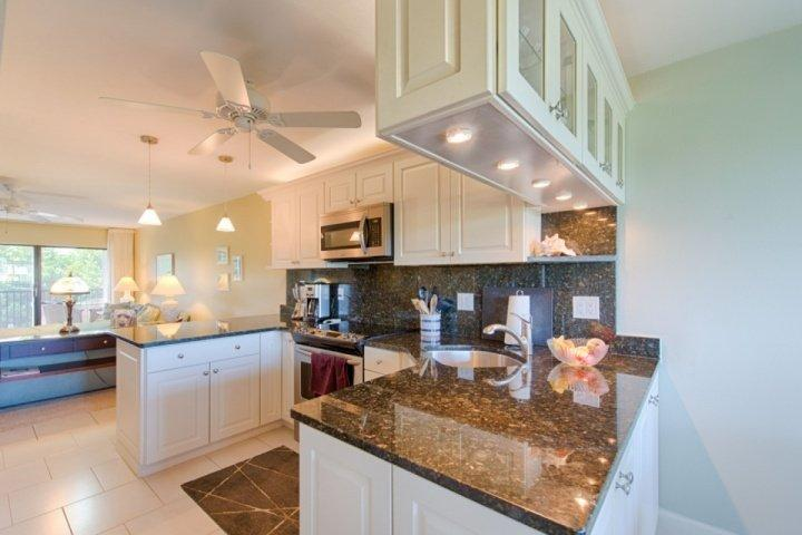 New Kitchen - 20% OFF - JANUARY - FEBRUARY DATES AVAILABLE!!!! Great Location at a Great Price!!!! - Sanibel Island - rentals