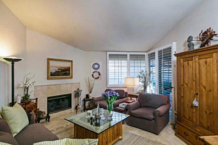 Enjoy the glamour of Old Hollywood - Summer Discount!!!  Let the Sun Shine In!  2 Master Suites, Tennis.  Desert Breezes by Tennis Garden - Palm Desert - rentals