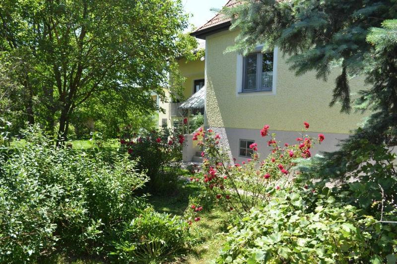 Vacation Home in Deutschkreutz - 1292 sqft, central, sunny, charming (# 4782) #4782 - Vacation Home in Deutschkreutz - 1292 sqft, central, sunny, charming (# 4782) - Penzing - rentals