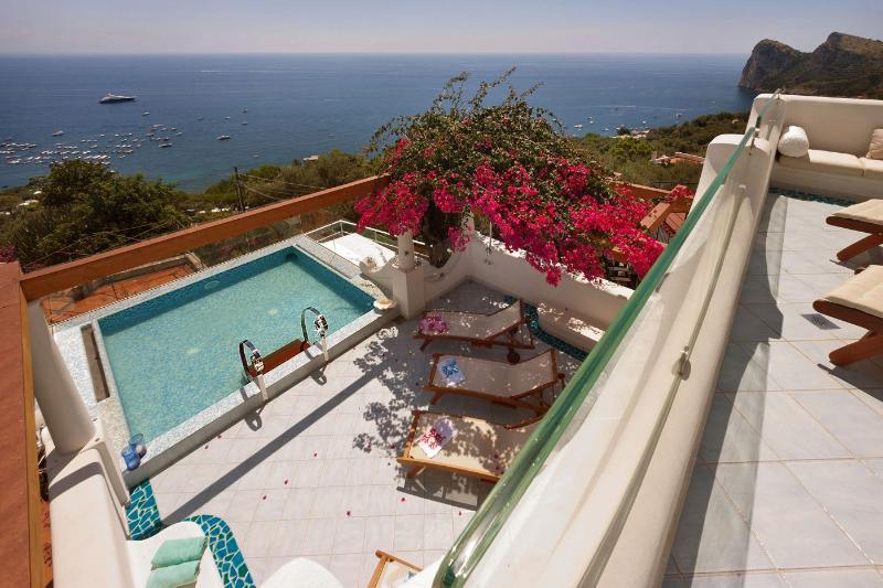 Villa delle Sirene - Image 1 - Massa Lubrense - rentals