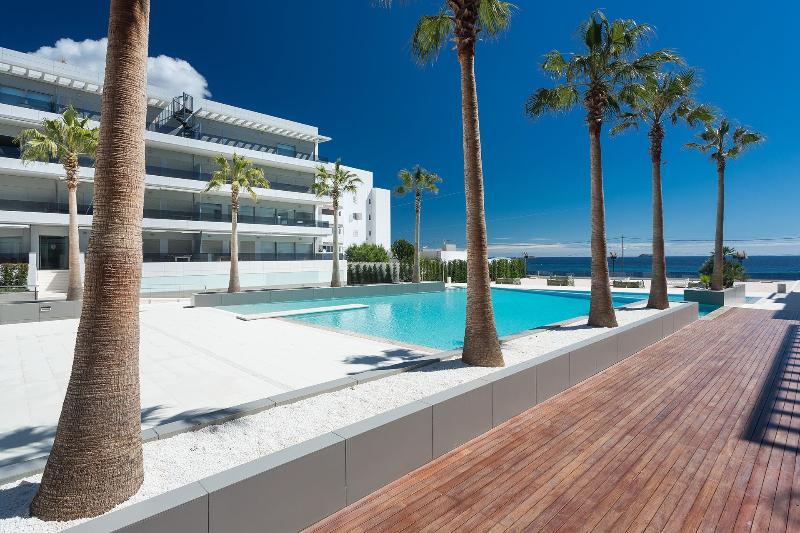 Apartment Escape 4 - Image 1 - Playa d'en Bossa - rentals