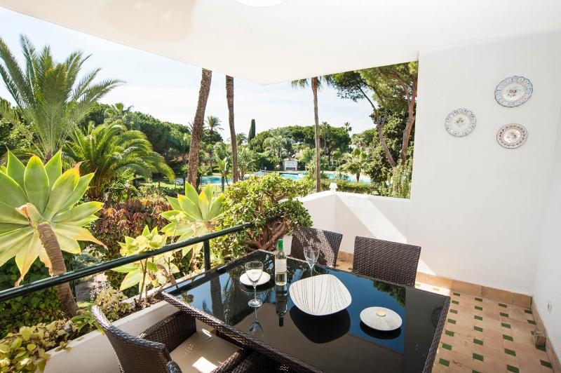 El Presidente MADRONO; Beachside, Heated Pool,Wifi - Image 1 - Estepona - rentals