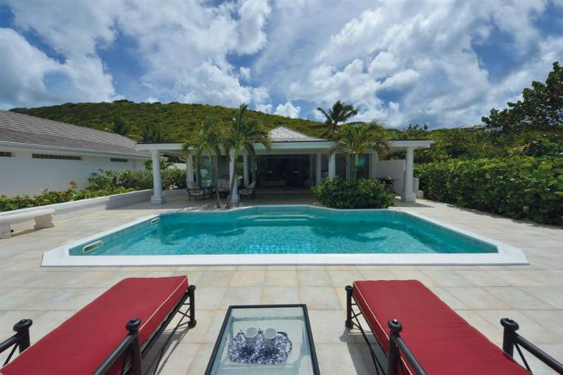 Baie Rouge Beach Front with Pool and Jacuzzi - Image 1 - Terres Basses - rentals