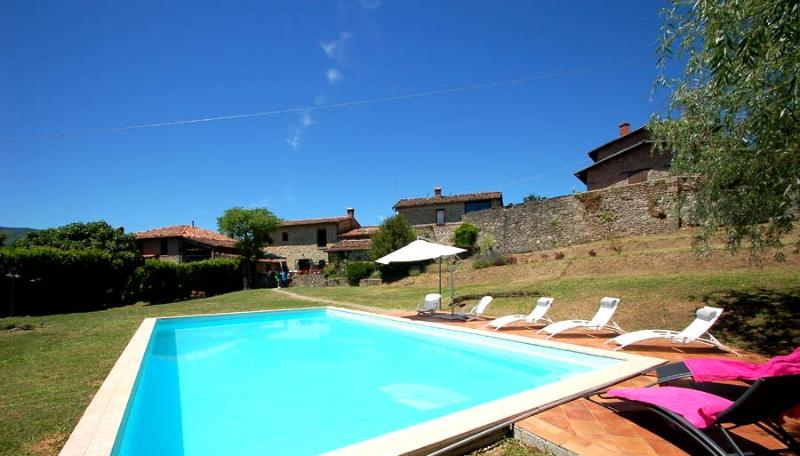 8 bedroom property with 2 pools in Tuscany - Image 1 - Villa Collemandina - rentals