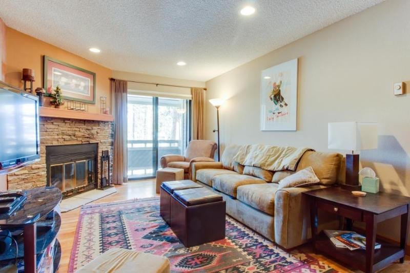 Stunning views and a great ski-in/ski-out location await - Image 1 - Breckenridge - rentals