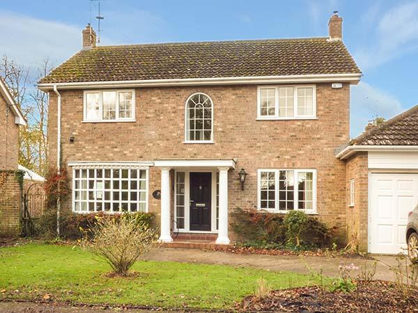 PENNYFARTHINGS, detached, four bedrooms, woodburning stove, enclosed garden, in Claxton, Ref 924687 - Image 1 - Claxton - rentals
