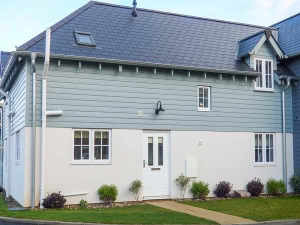 AUBERGINE COTTAGE, coastal, en-suite, on-site facilities including swimming pool, sauna and steam room, Filey, Ref 930064 - Image 1 - Filey - rentals