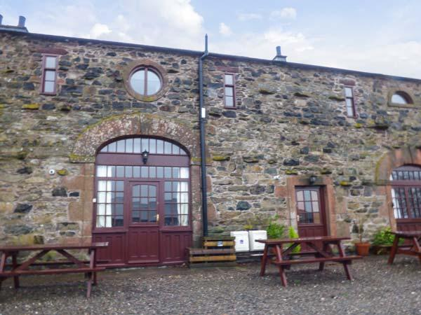 MELLFELL COTTAGE, barn conversion, pet friendly, open fire, WiFi in Watermillock Ref 930265 - Image 1 - Watermillock - rentals