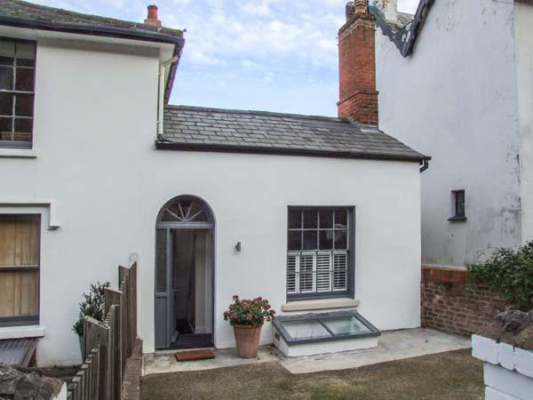 WOODLAND COTTAGE open fire,WiFi, romantic in Malvern Wells Ref 930291 - Image 1 - Malvern Wells - rentals