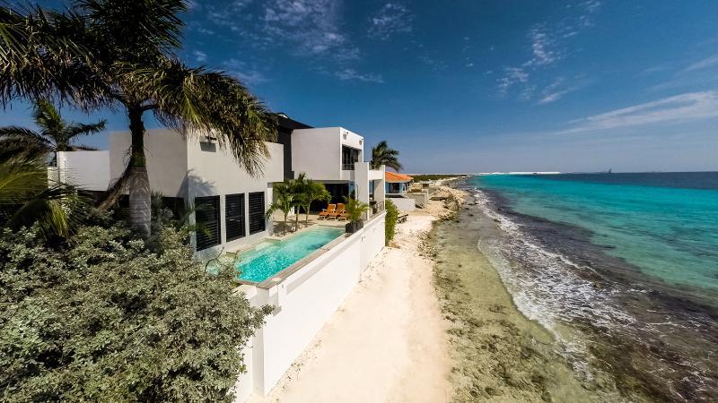 Oceanfront - Casa Esmeralda ***Exclusive Oceanfront Luxury!!*** - Kralendijk - rentals