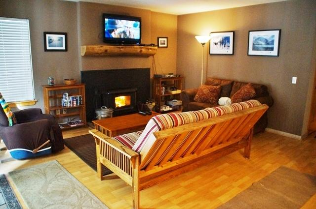 Convenience and comfort near Eagle Lodge - Listing #250 - Image 1 - Mammoth Lakes - rentals