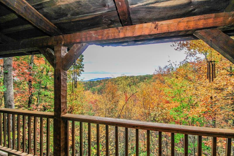 Smoky's Mountain View Cabin - Image 1 - Gatlinburg - rentals