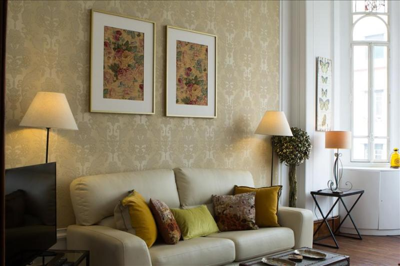 Liberdade I -spacious,comfortable,central  location, perfect for groups/families - Image 1 - Lisboa - rentals