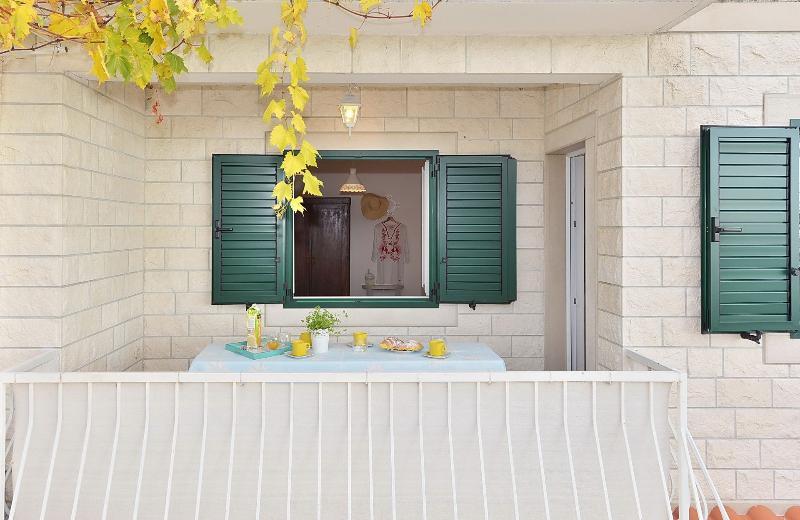 A3 veliki(4+1): terrace view - 8171  A3 veliki(4+1) - Bol - Bol - rentals