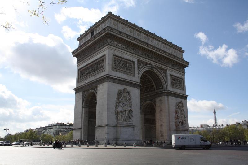 parisbeapartofit - Avenue des Champs Elysées (319) - Image 1 - Paris - rentals