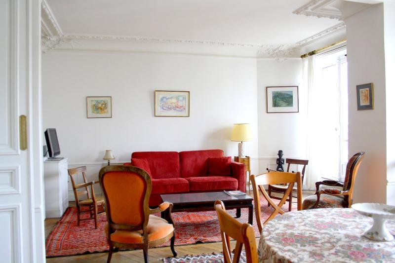 parisbeapartofit - Exceptional location 2BR/1BA Condo- Lagrange (95) - Image 1 - Paris - rentals