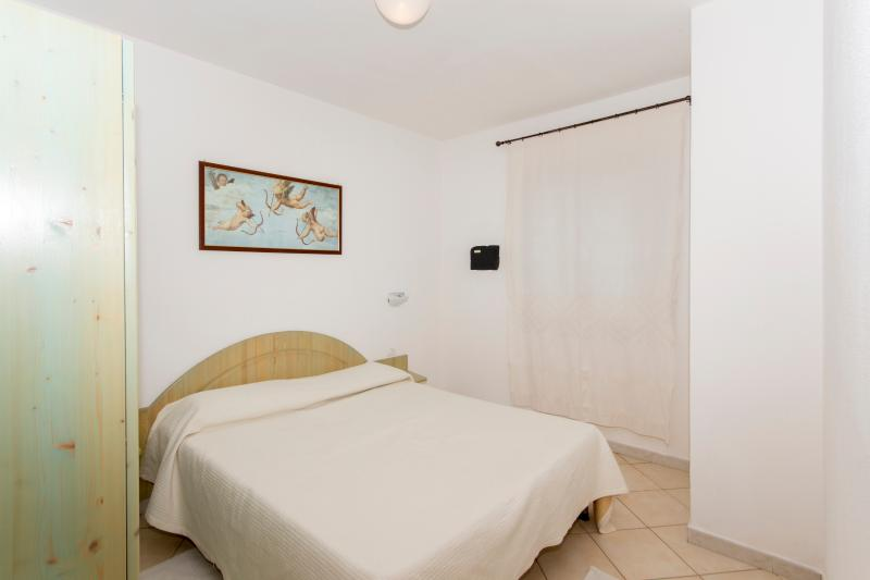 One bedroom apartment Turchese - Image 1 - Badesi - rentals