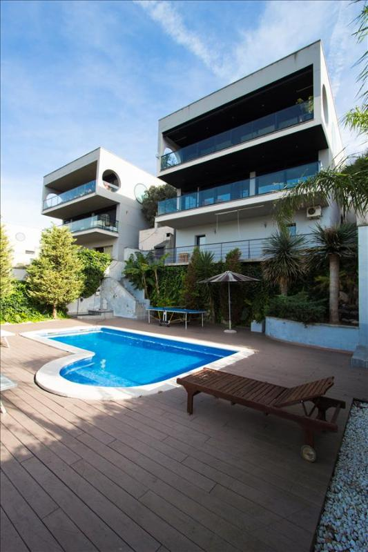 Modern villa in Calafell for 8 guests, only 4km to the beaches of Costa Dorada! - Image 1 - Calafell - rentals