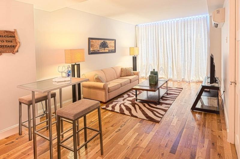 1 Bedroom Apartment in North NYC - Sleek and Modern - Image 1 - New York City - rentals
