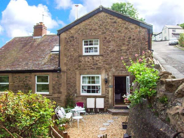 THREE QUARTER COTTAGE, woodburner, WiFi, pets welcome, open plan living, Malvern Wells, Ref. 929425 - Image 1 - Malvern Wells - rentals