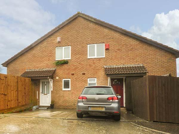 AMITY HOUSE, private patio, off road parking, Llantwit Major, Ref 930242 - Image 1 - Llantwit Major - rentals