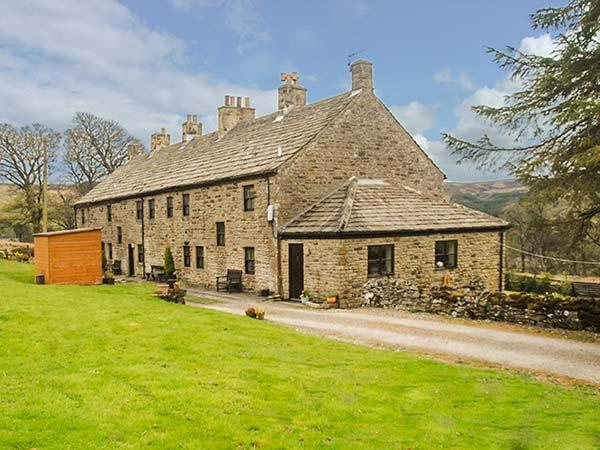 BLACKETT'S RETREAT, Grade II listed cottage, WiFi, garden, in Allenheads, Ref - Image 1 - Allenheads - rentals