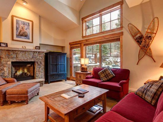 Best of All Worlds in This Mountain Thunder Townhome - Luxurious Ski-In Condo, Walk to Town, Walk to Gondola, Courtesy Shuttle - Image 1 - Breckenridge - rentals
