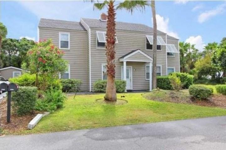 Street View of Ground Floor Duplex - IOP-Grnd FL Duplex-3BD/1BA-Pvt Golf Cart-Dog Friendly-Close to Beach! - Isle of Palms - rentals