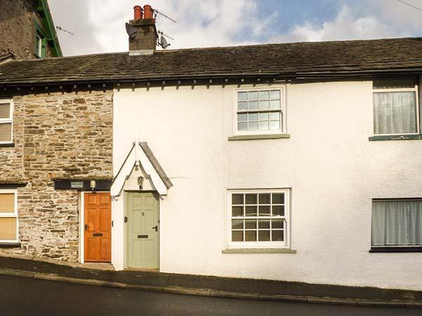 2 HILLCROFT COTTAGES, woodburning stove, WiFi, pet-friendly, Haverthwaite, Ref 12306 - Image 1 - Haverthwaite - rentals