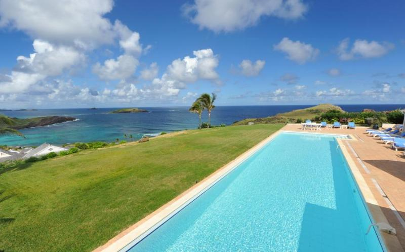 Oui - Ideal for Couples and Families, Beautiful Pool and Beach - Image 1 - Petit Cul de Sac - rentals