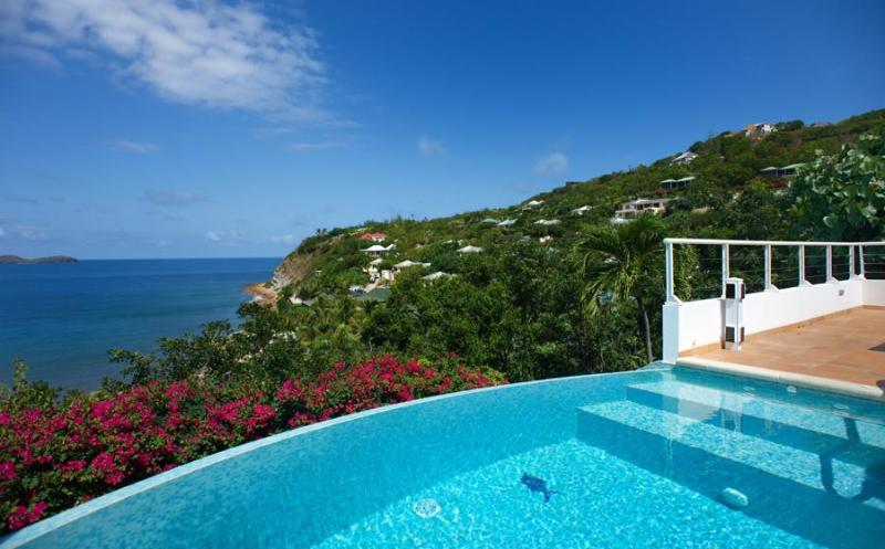 Parsifal - Ideal for Couples and Families, Beautiful Pool and Beach - Image 1 - Pointe Milou - rentals