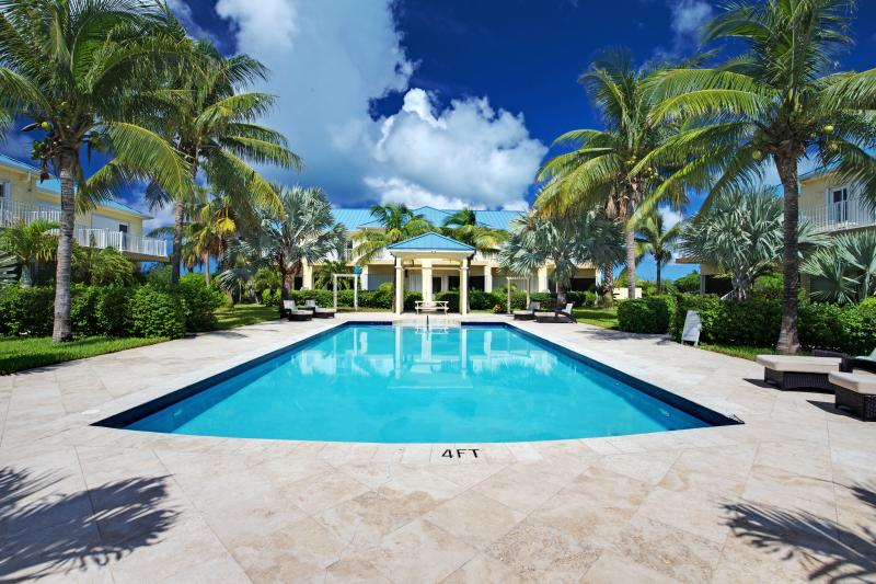 Upscale town home located in the quiet Palmyra community, short walk to Grace Bay Beach! - Image 1 - Grace Bay - rentals