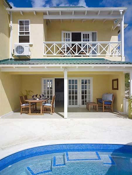 Westlook 1 - Ideal for Couples and Families, Beautiful Pool and Beach - Image 1 - Weston - rentals