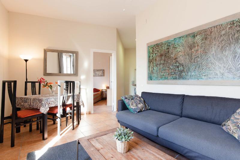 Living Room - Gaudi-1: Bright apartment on Rambla Catalunya - Barcelona - rentals