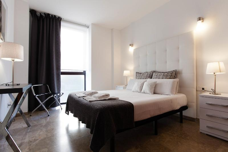 The Master Bedroom - Picasso Suites 2.1 Luxury Apartment - Barcelona - rentals