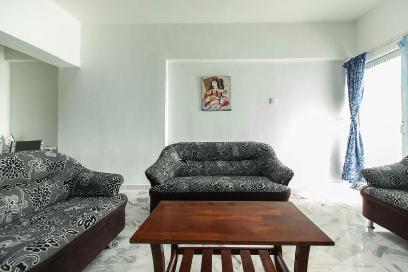 Living Room - Luxury 4 Bedroom Apartment / Daily Rent - Kuala Lumpur - rentals