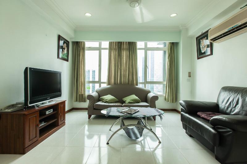 Living Room - 2 room 2 bath Bidara Condo @  Kuala Lumpur Bukit B - Kuala Lumpur - rentals