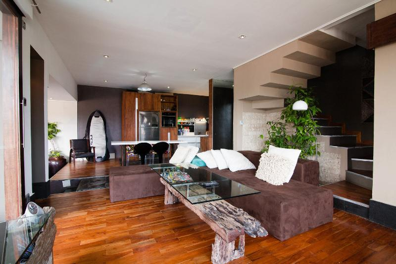 Living Room - Villa Naree, 2 bedroom house, Batubelig, Seminyak - Kuta - rentals