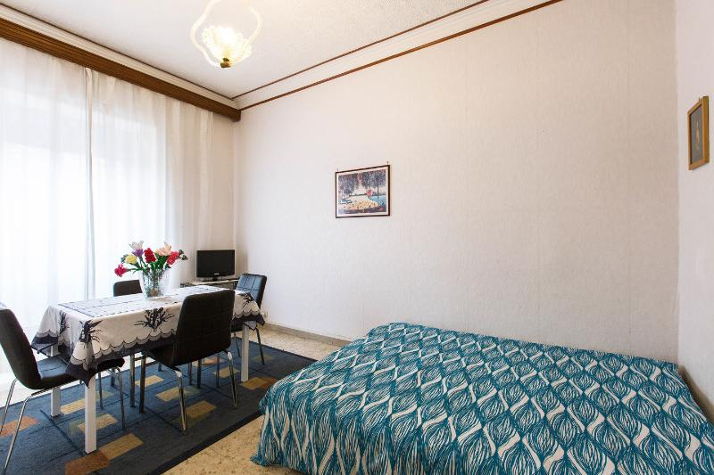 Living Room - S.Giovanni Rome Centre Ancient Walls Apartment - Rome - rentals