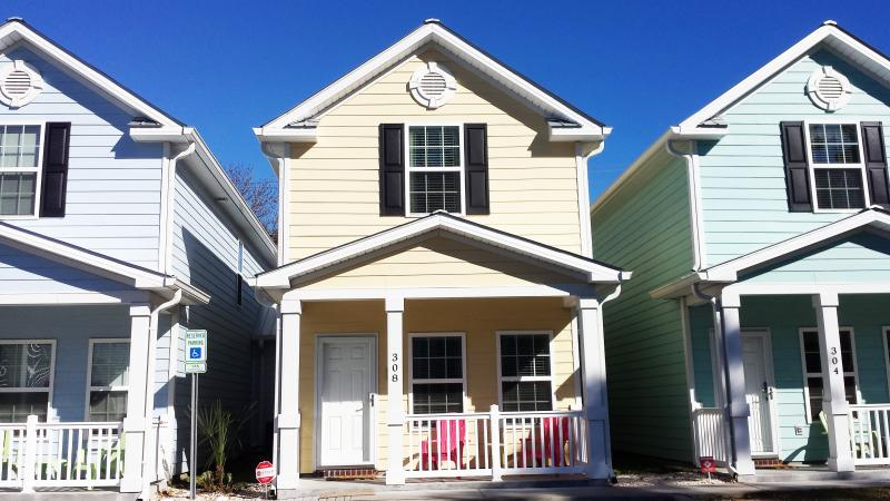 Brand New House Front View and Parking in front of the House - BEAUTIFUl BEACH STYLE COTTAGE, ONE BLOCK TO BEACH - Myrtle Beach - rentals