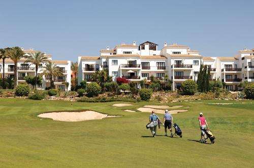 Pine Cliffs Golf Deluxe Suites, 3 Bedroom Penthouse, room only basis - Image 1 - Olhos de Agua - rentals